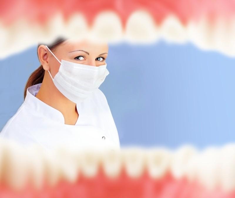 8 cosas que tu dentista sabe con solo verte